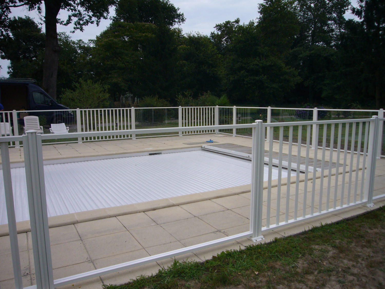 Photo 104 barriere de protection de piscine barrieres de for Barriere de protection piscine
