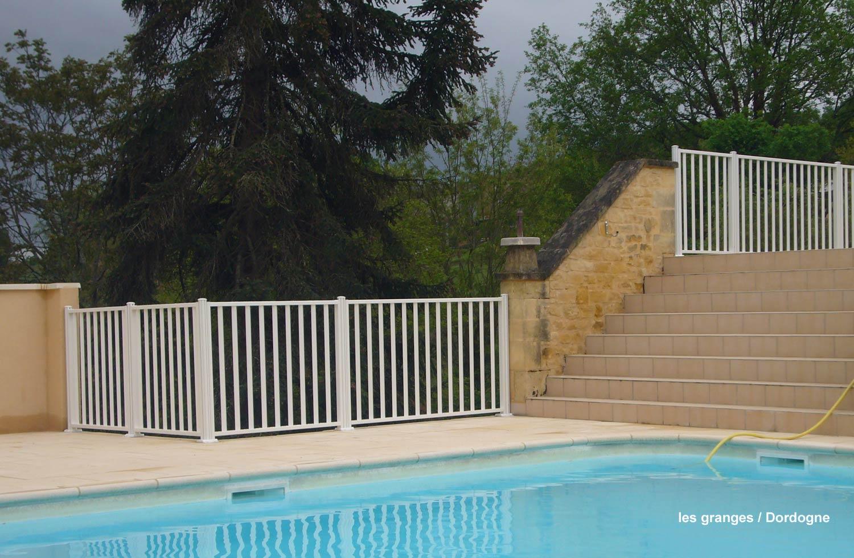 cloture piscine. Black Bedroom Furniture Sets. Home Design Ideas