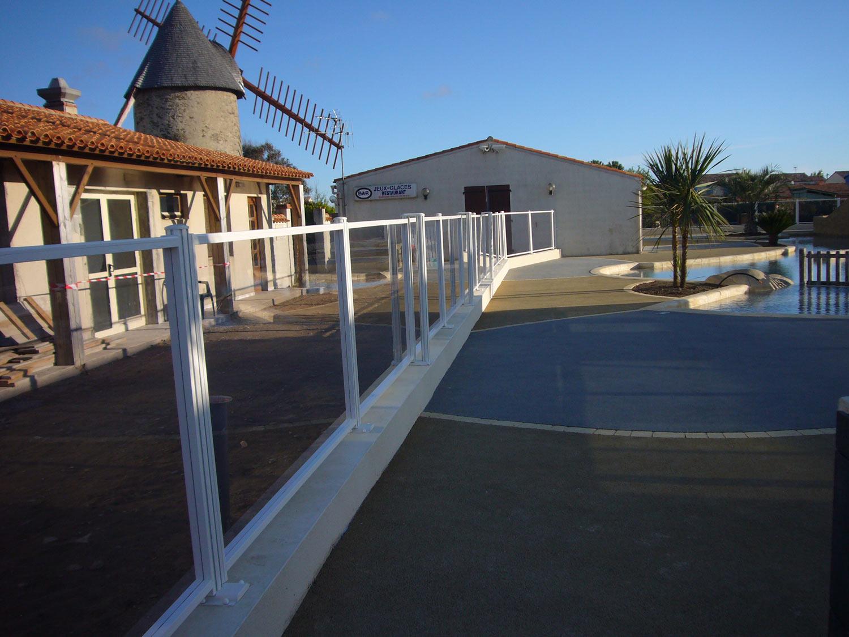 Photo 1 barriere piscine barrieres de piscine barrieres for Barrieres protection piscine